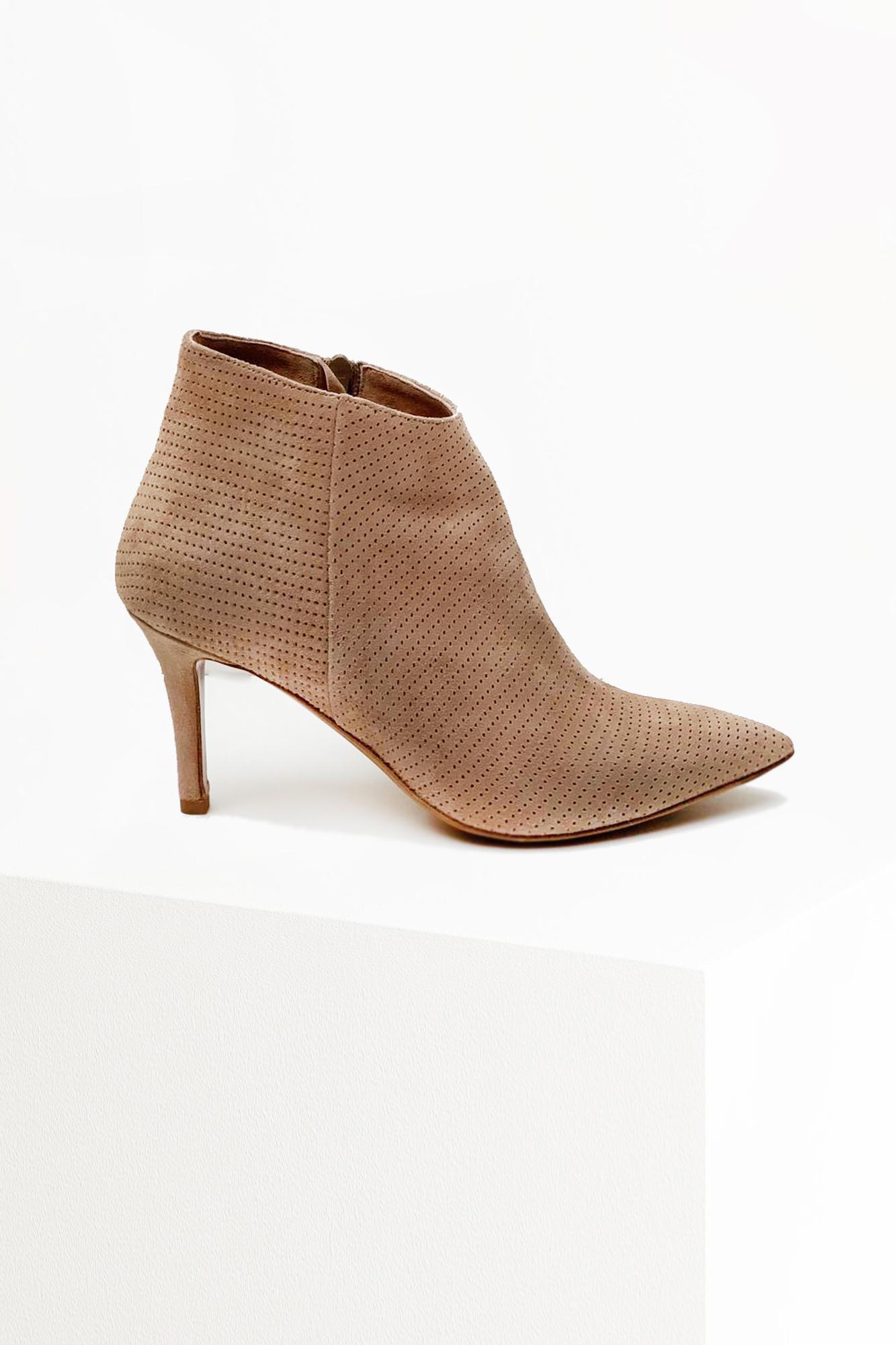 Nipo Boots